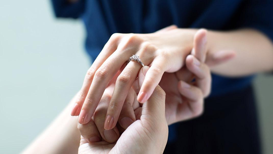 二人だけの婚約指輪をオーダーメイド