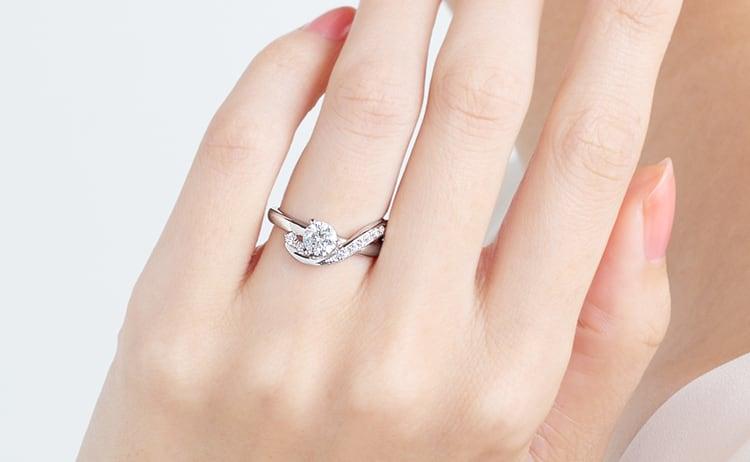 PT900 クレ・ド・ソル ダイヤモンド サイドストーン リング エングレーブ 0.5ct