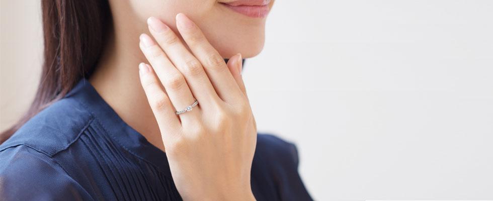 イマドキの婚約記念品と婚約指輪画像
