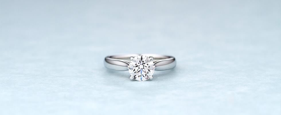 イマドキの婚約記念品と婚約指輪