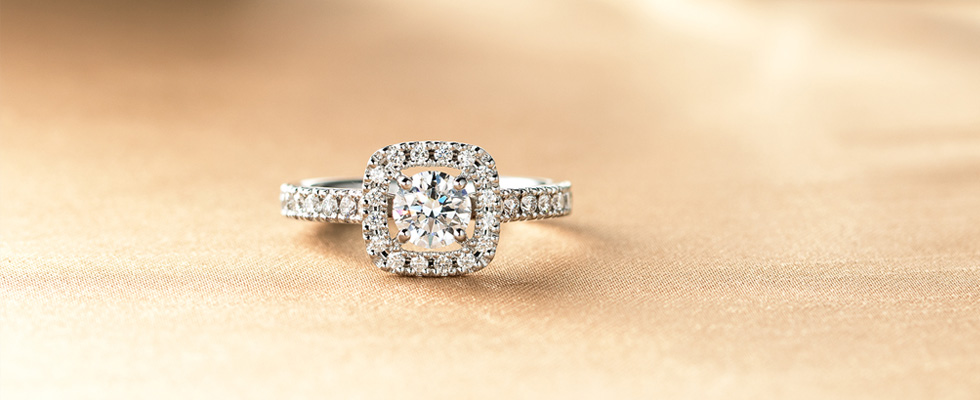 両家への結婚挨拶と婚約指輪の注意点画像