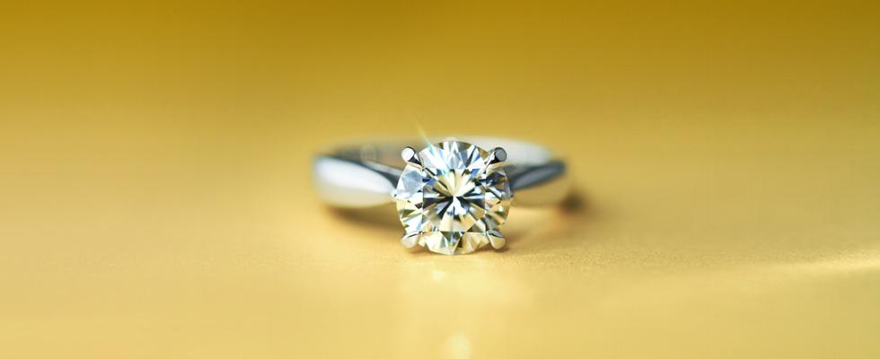 ソリティアの婚約指輪画像