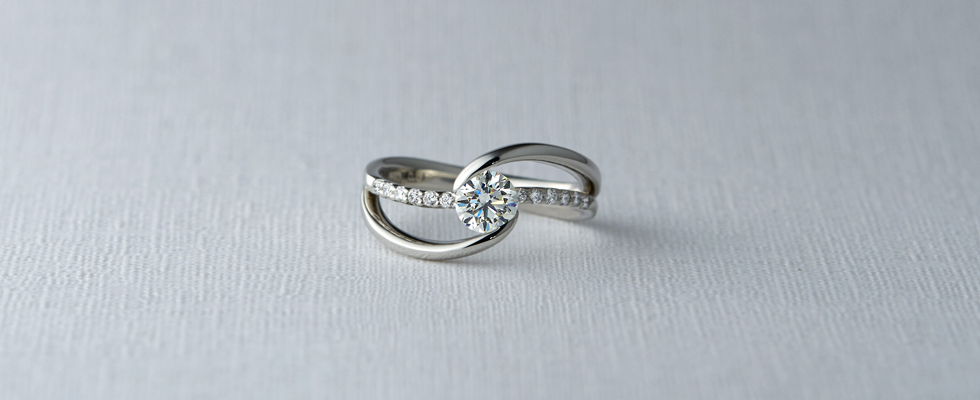 婚約指輪と普通の指輪・ファッションリングの違い画像