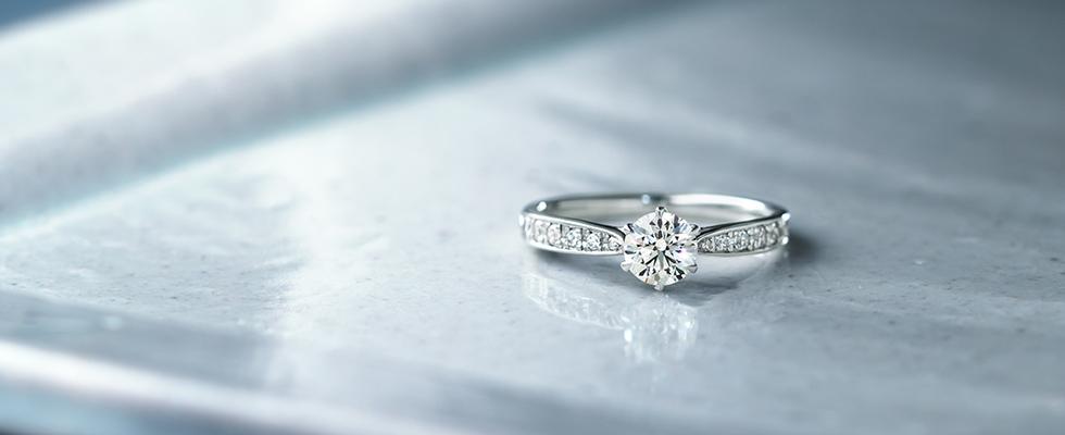 想定外に多い?!もらった婚約指輪にガッカリする女性たち画像