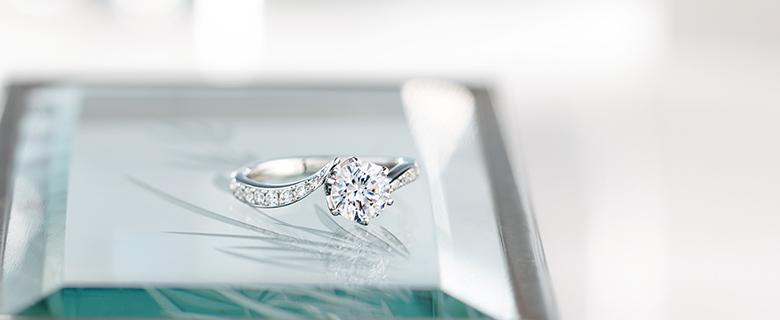1.0ctの婚約指輪
