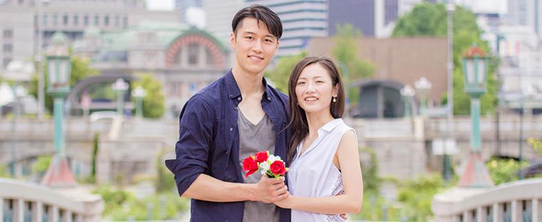 プロポーズ後のカップル