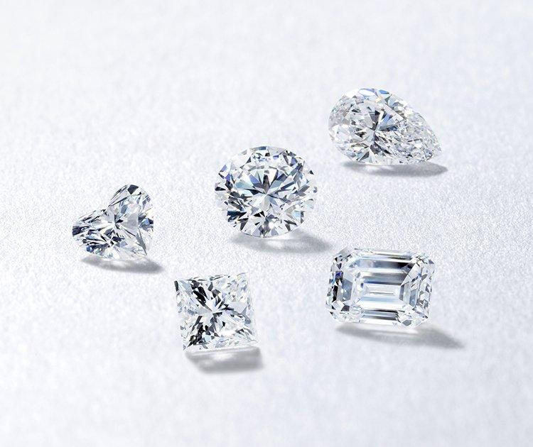 色々なシェイプのダイヤモンド