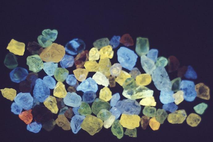 ダイヤモンドの蛍光性についての画像
