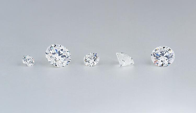 アニバーサリーダイヤモンドを贈る