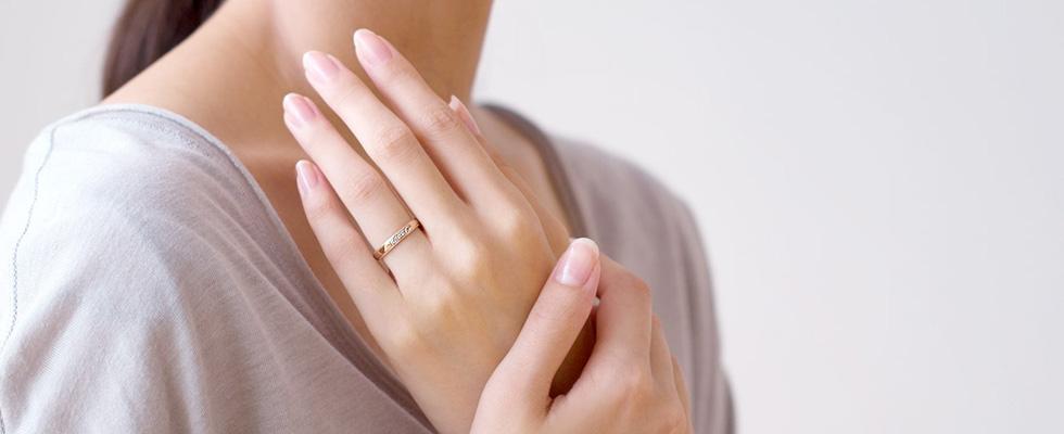 ピンクゴールドの結婚指輪PC