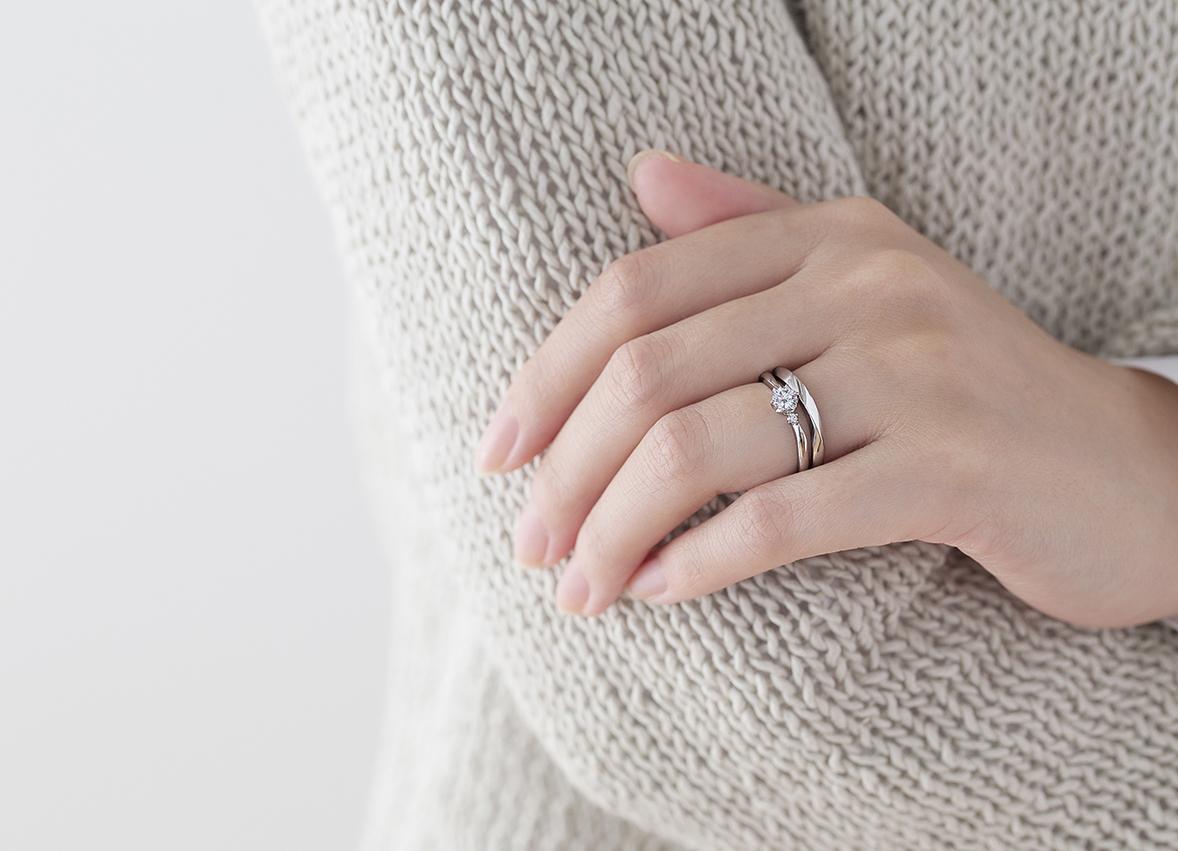婚約指輪 アルシェ おすすめの重ねづけ