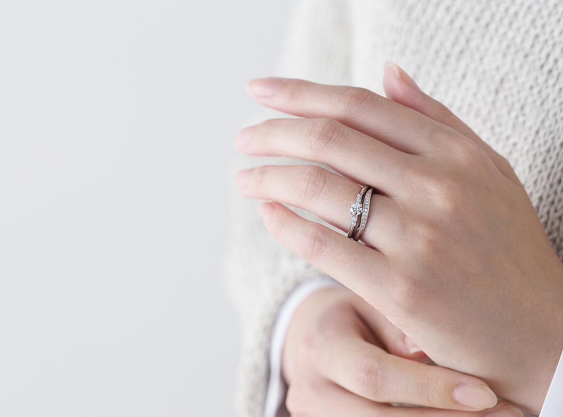 婚約指輪 コリドール おすすめの重ねづけ