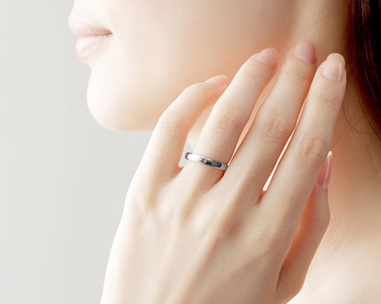 ホワイトゴールドの結婚指輪sp