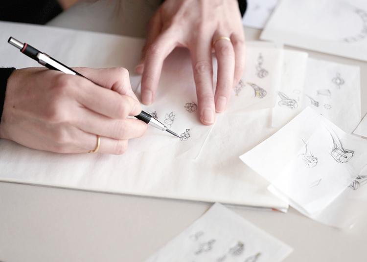 デザインを作成するデザイナー