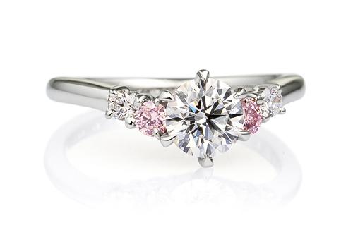 サイドストーン ダイヤモンドリング