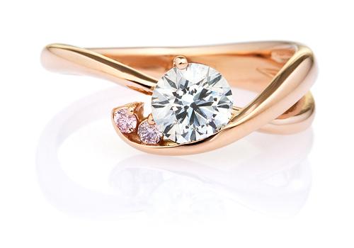 クレ・ド・ソル ダイヤモンド ピンクダイヤモンド サイドストーン リング