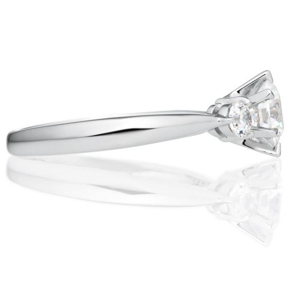 PT900 ウィング ダイヤモンド サイドストーン リング 0.5ct
