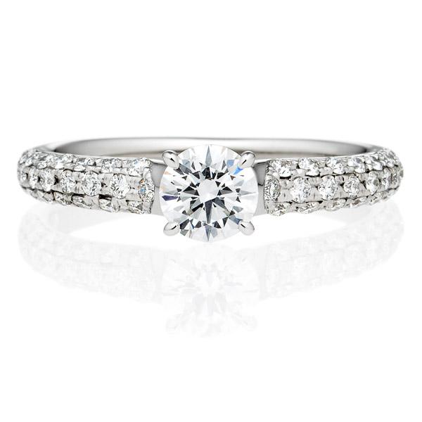 パヴェタイプの婚約指輪