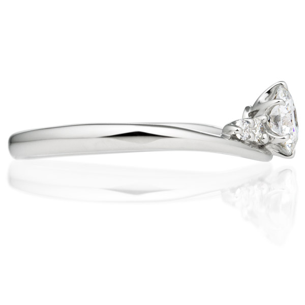 PT900 オーブ ダイヤモンド サイドストーン リング 0.3ct