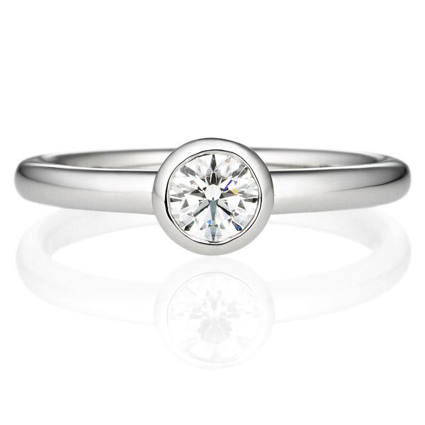 ダイヤモンド埋め込みタイプの婚約指輪