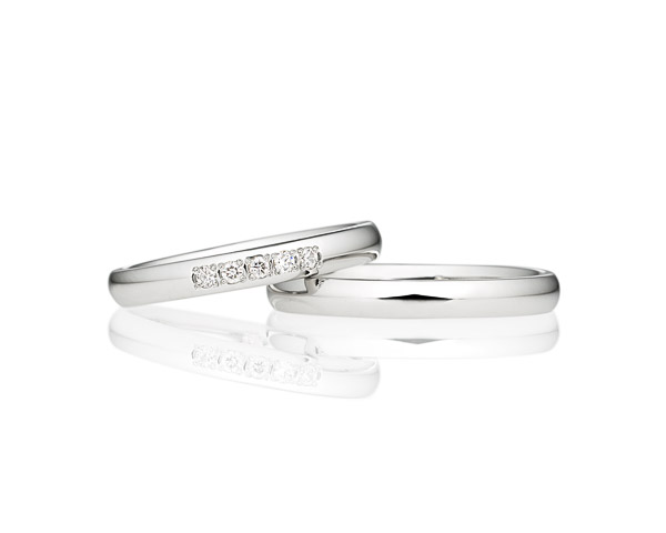 男性にも女性にも人気のシンプルなオーバルストレートライン 結婚指輪ならブリリアンスプラス