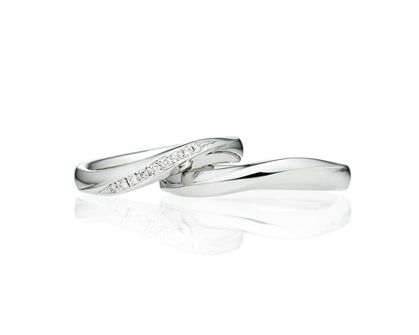 女性人気のウェーブSライン 結婚指輪ならブリリアンスプラス