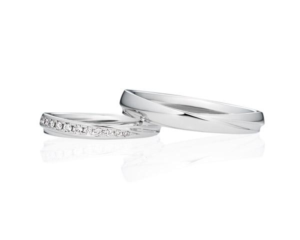 シンプルでおしゃれなウェーブVライン 結婚指輪ならブリリアンスプラス