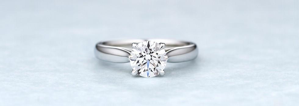 ダイヤモンドを贈る。それは一生に一度の輝く瞬間。