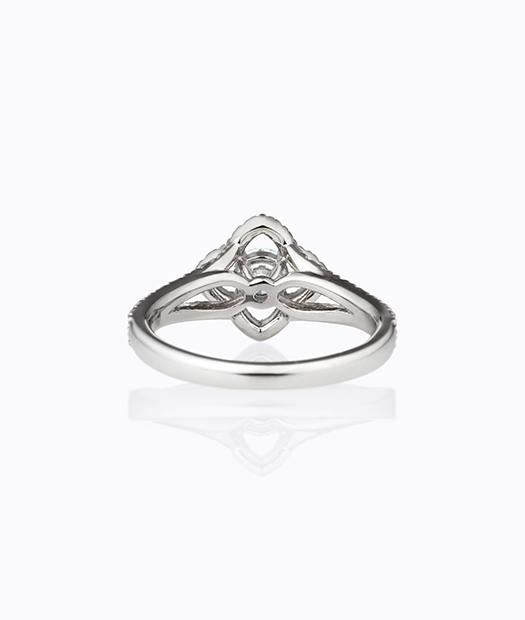 フローティングヘイローダイヤモンドリング イネス