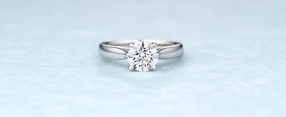 立て爪のソリティア婚約指輪PC