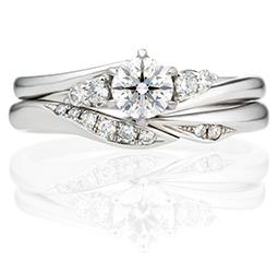 サイドストーン×ダイヤモンドありマリッジリング重ね付け