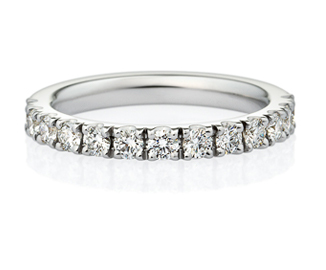 エタニティの結婚指輪を見る
